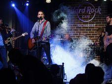 Hara canta pe 24 martie la Hard Rock Cafe