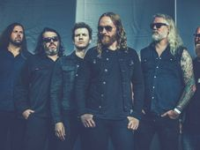 Concert Dark Tranquillity si Miracle Flair
