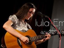 Concert acustic Iulia Em la Clubul Țăranului