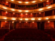 "Teatrul Coquette: ''Ingerul Pantofilor"""