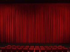 """Teatrul Rosu: """"Terapie în trei"""""""