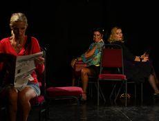 Teatrul Rosu: Romanie draga, Elvetia mea!