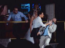 """Teatrul Rosu: """"Divort in ziua nunții"""""""