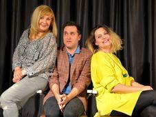 Teatrul Rosu: ''Terapie in trei''