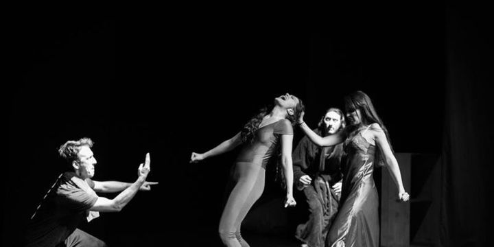 Teatrul Rosu: Amor la indigo