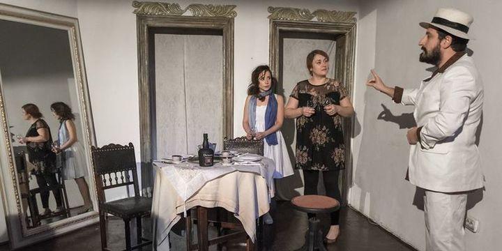 """Teatrul Coquette: """"Doua surori si un pian"""""""