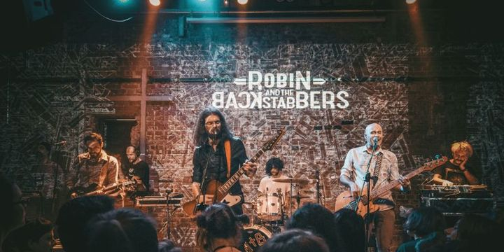 Robin And The Backstabbers la Expirat / Backyard Acoustic Season 2019