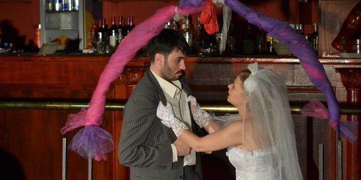 """Teatrul Rosu: """"Iubirea e un lucru foarte mare"""""""