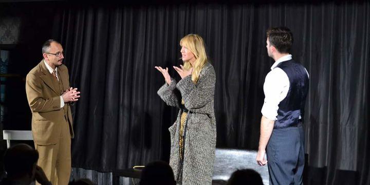 Teatrul Rosu: Amorezii in flagrant delict