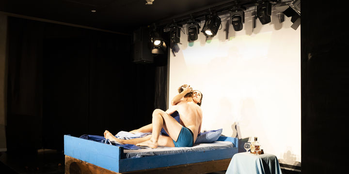 Reprezentatii - The Blue Room