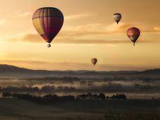 Zbor cu balonul cu aer cald şi cinema VIP la Băneasa pentru 2 persoane