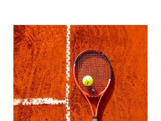 Cadoul tau de tenisman: racheta sau sapca semnata de Victor Hanescu