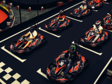 Experienta de karting indoor pentru iubitorii de adrenalina