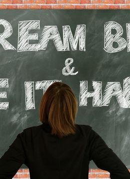 Program Dezvoltare Personală pentru adolescenți - Trezește EROUL din tine