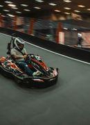 Karting indoor pentru iubitorii de adrenalina