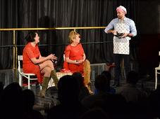"""Teatrul Rosu: """"Bărbatul perfect defect"""" - transmisiune online"""